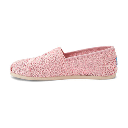 4e8ae30e3e7 Get Quotations · TOMS ALPRG crochet series of large hollow carved girls  casual shoes to help low lazy shoes